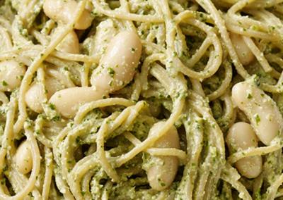 Pesto-pasta m. hvide bønner